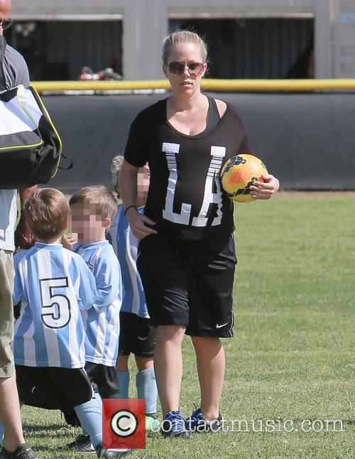 kendra wilkinson pregnant kendra wilkinson watches son 4132853