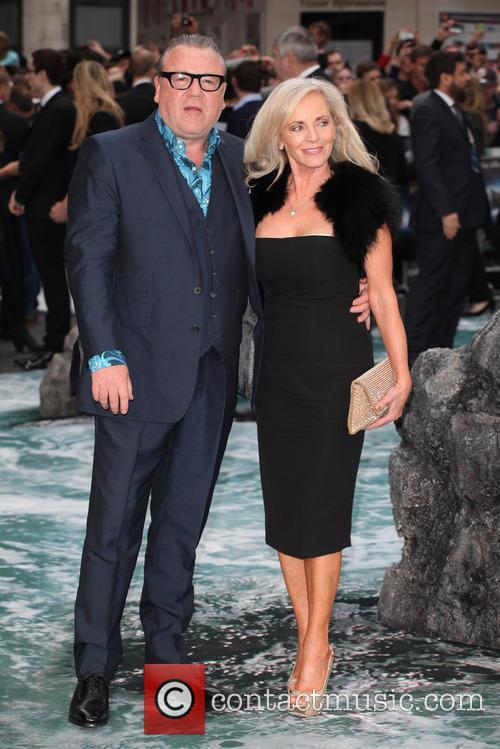 Ray Winstone and Elaine Winstone 3