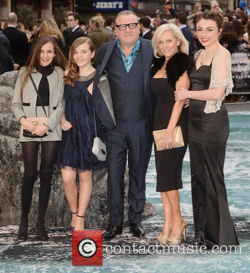 Ray Winstone and Lois Winstone 7