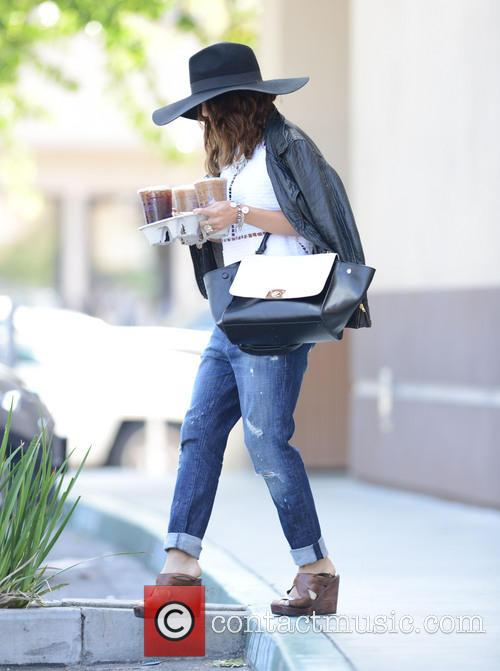 Vanessa Hudgens grabs coffee drinks