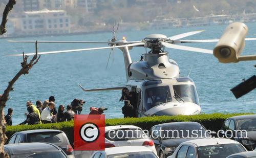 adriana lima adriana lima arrives by helicopter 4135334