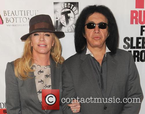 Shannon Tweed and Gene Simmons 10