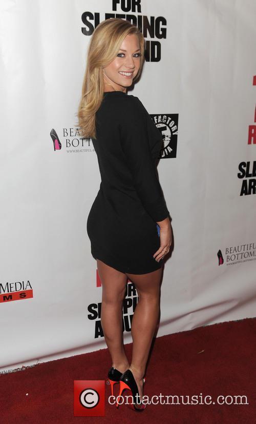 Nikki Leigh 8