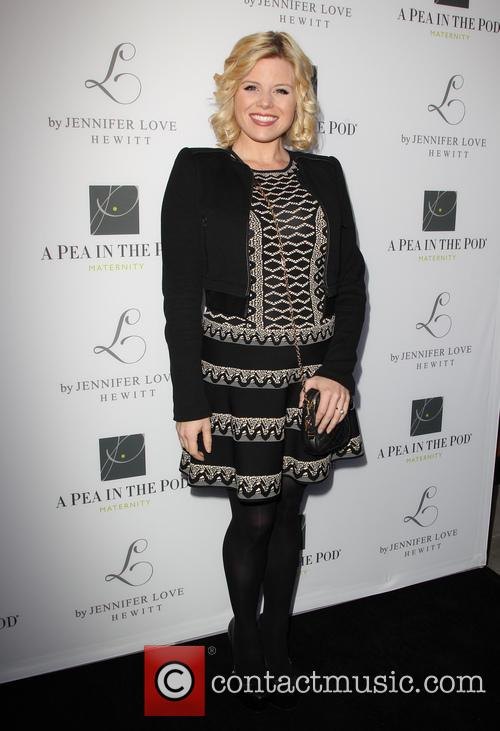 Megan Hilty, Pea In The Pod Store