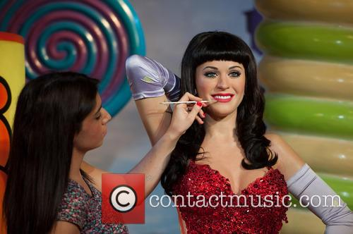 Katy Perry and View 7