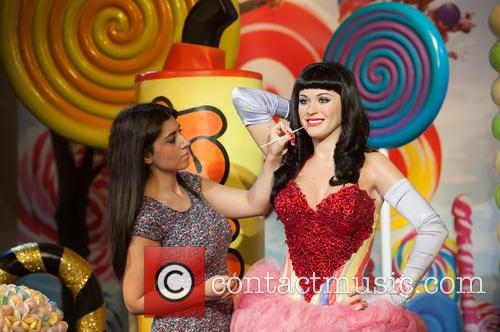Katy Perry and View 8