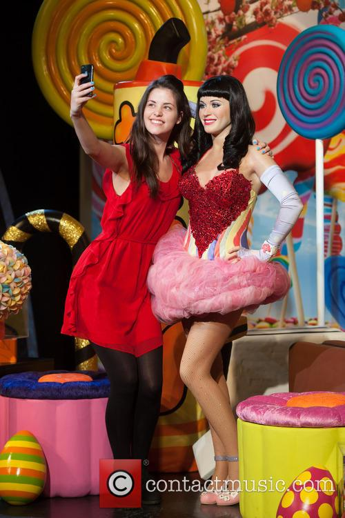 Katy Perry and View 2