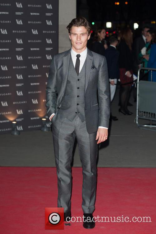 oliver cheshire the glamour of italian fashion 4136455