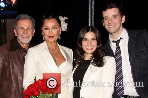 Tony Plana, Vanessa Williams, America Ferrera and Michael Urie 1