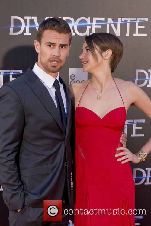 Theo James and Shailene Woodley 2