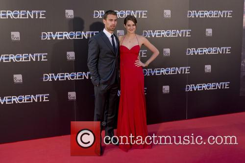 Theo James and Shailene Woodley 6