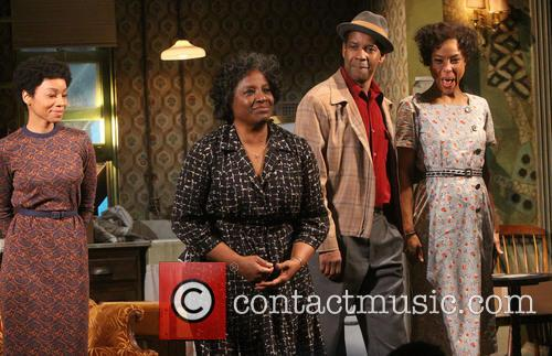 Anika Noni Rose, Latanya Richardson Jackson, Denzel Washington and Sophie Okonedo 5