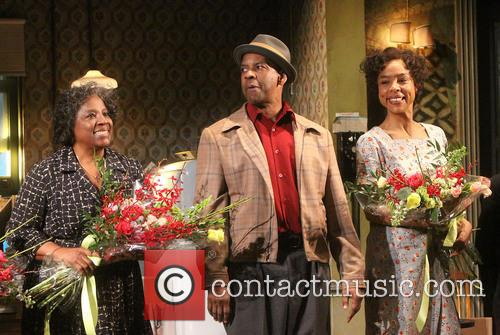 Latanya Richardson Jackson, Denzel Washington and Sophie Okonedo 3