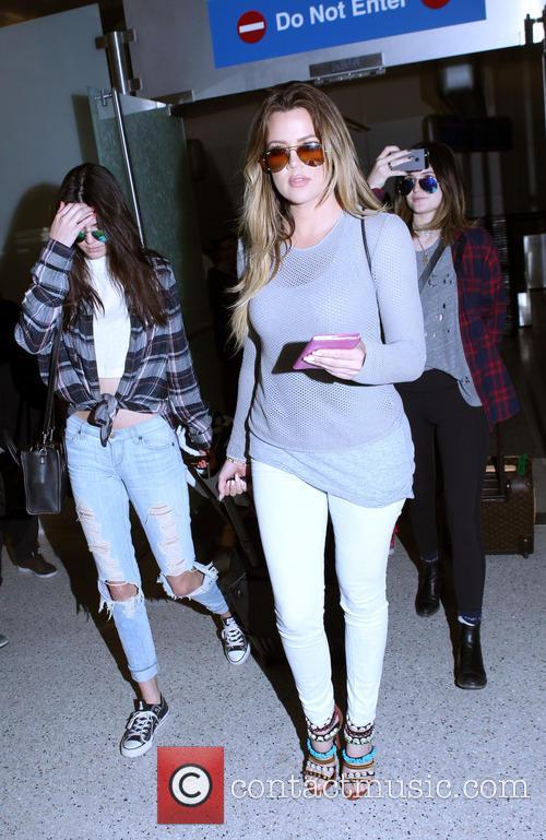 Khloe Kardashian, Kendall Jenner and Kylie Jenner 3