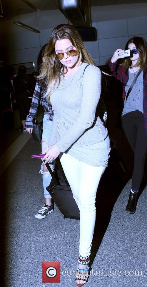 Khloe Kardashian, Kendall Jenner and Kylie Jenner 4