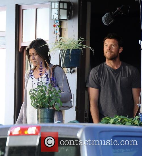 Jennifer Aniston and Sam Worthington 8