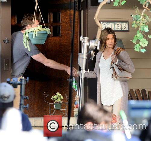 Jennifer Aniston and Sam Worthington 4