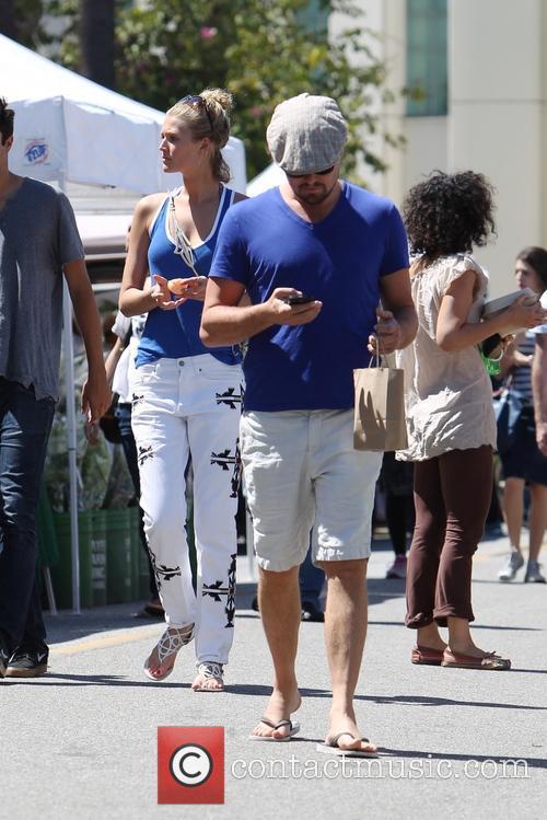 Leonardo Dicaprio and Toni Garrn 6