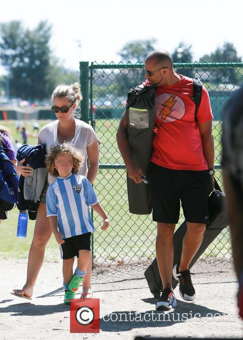 Kendra Wilkinson and Hank Baskett 5