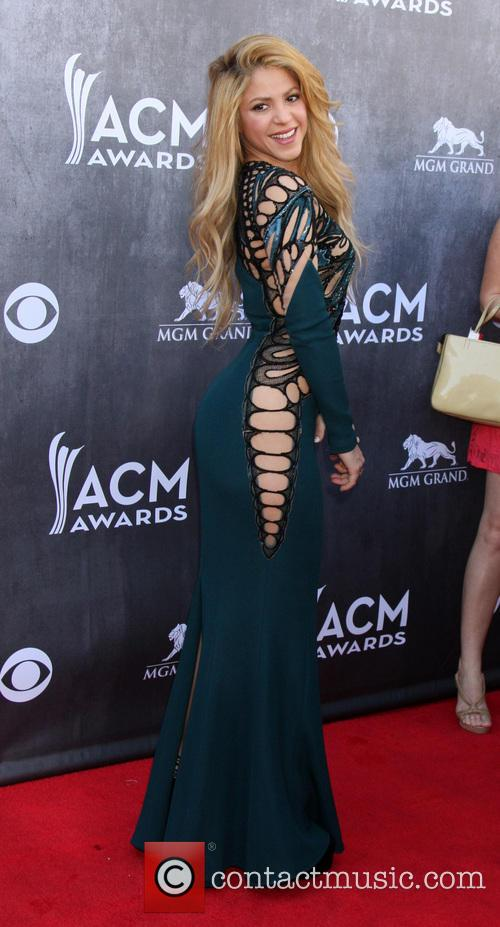 shakira 49th annual academy of country music 4143591