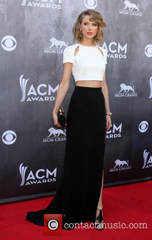 Taylor Swift at ACM awards