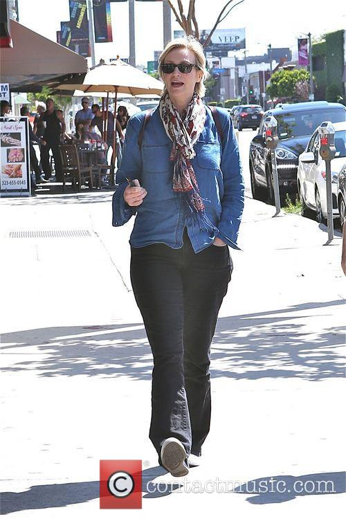 Jane Lynch leaves breakfast at Kings Road Cafe