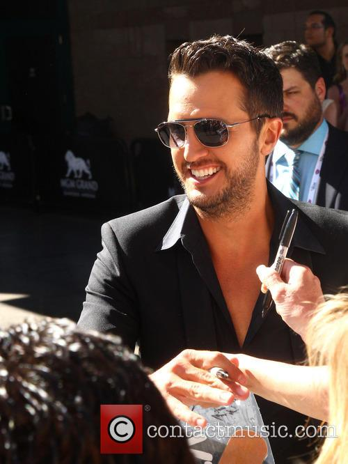 Luke Bryan at the 2014 ACM Awards