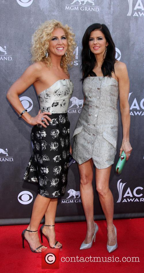 Kimberly Schlapman and Karen Fairchild 1