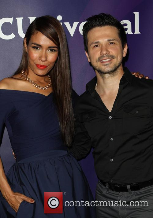 Daniella Alonso and Freddy Rodriguez 9