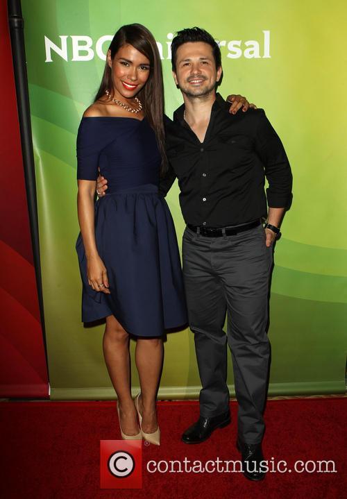 Daniella Alonso and Freddy Rodriguez 3