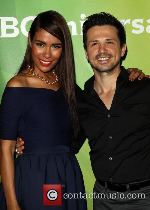 Daniella Alonso and Freddy Rodriguez 4