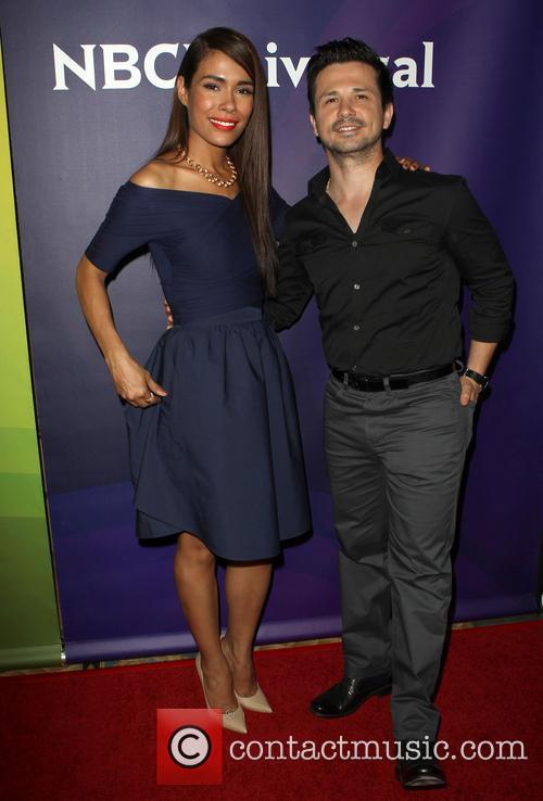 Daniella Alonso and Freddy Rodriguez 8