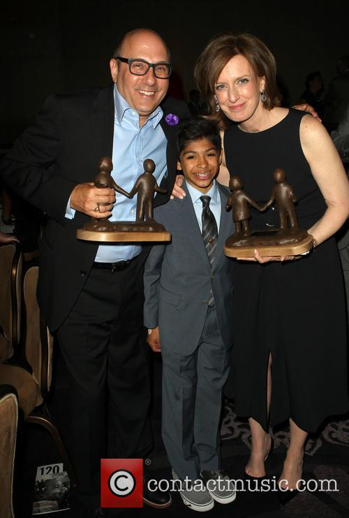 Willie Garson, Nathen Garson and Anne Sweeney 10
