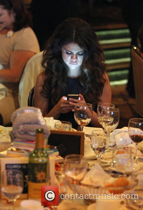 Selena Gomez, The Beverly Hilton Hotel