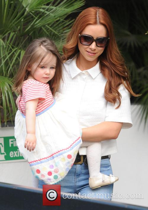 Una Healy and Aoife Belle 1