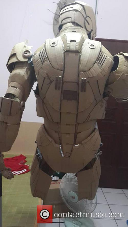 Iron Man Cardboard Cosplay