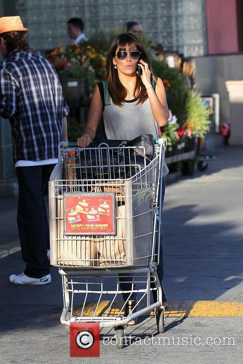 Eva Longoria shopping for groceries at Ralphs