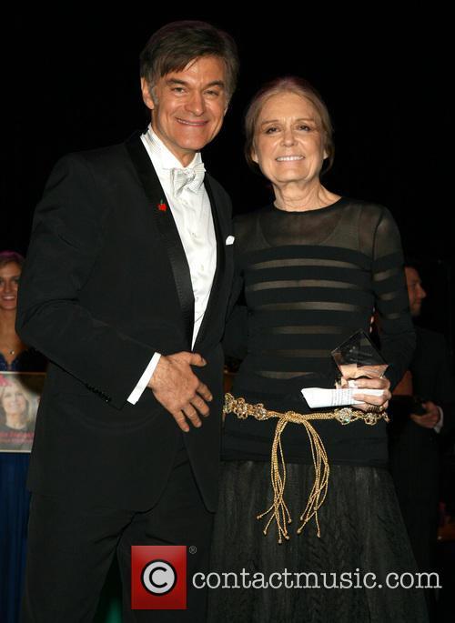 Dr. Mehmet Oz and Gloria Steinem 4