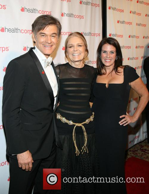 Dr. Mehmet Oz, Gloria Steinem and Lisa Oz 3