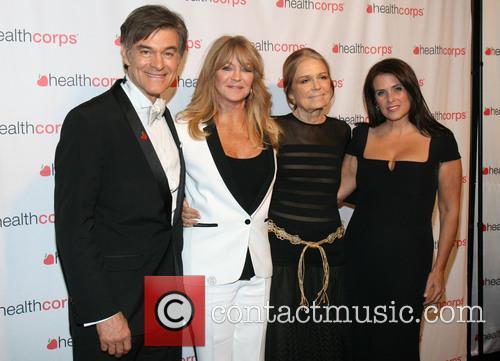 Dr. Mehmet Oz, Goldie Hawn, Gloria Steinem and Lisa Oz 6