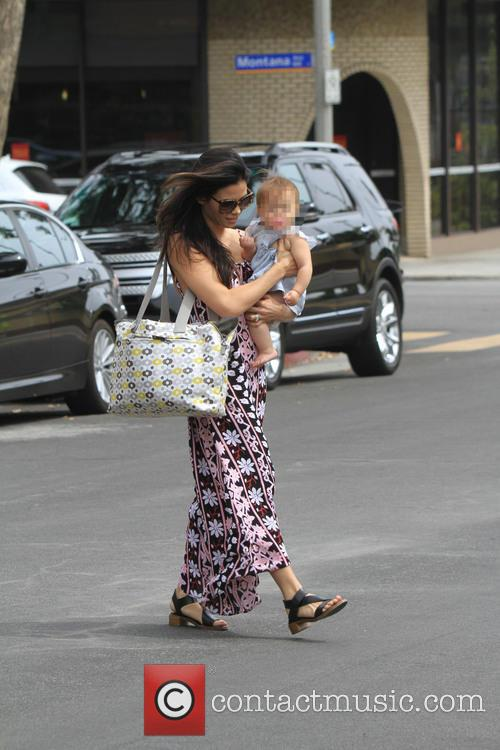 Jenna Dewan and Daughter Cross The Street 1