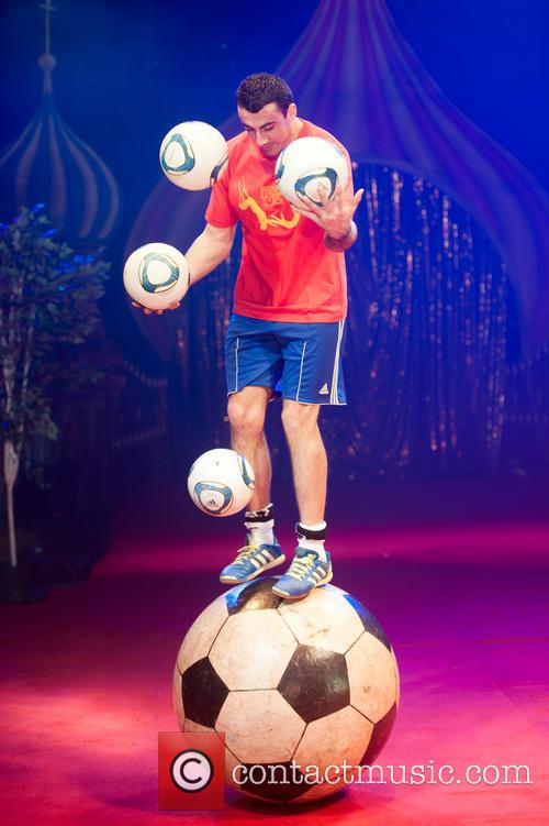 The Moscow State Circus foot ball juggler