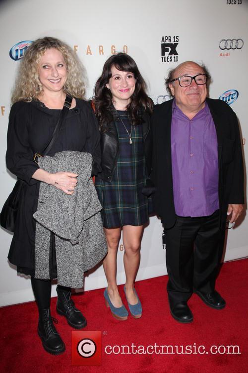 Carol Kane, Lucy Devito and Danny Devito 8