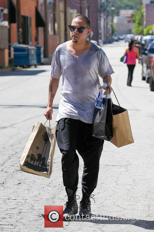 Evan Ross shopping on Ventura Boulevard in Studio...