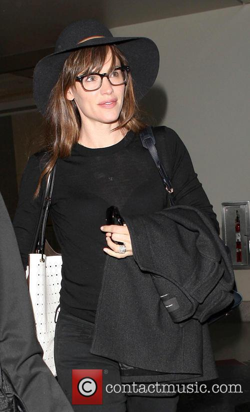 Jennifer Garner wearing all black at LAX