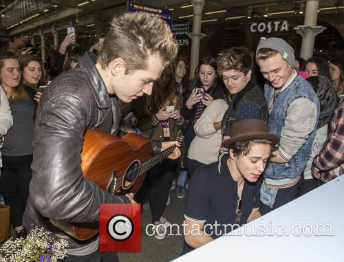 James Mcvey, Bradley Simpson, Connor Ball, Tristan Evans and The Vamps 3