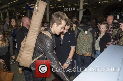James Mcvey, Bradley Simpson and The Vamps 6
