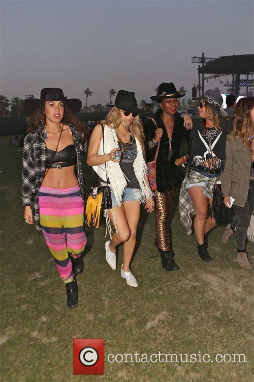 Fergie enjoys day 2 at Coachella with friends