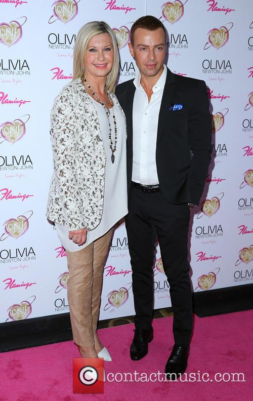 olivia newton john joey lawrence grand opening of 4152140