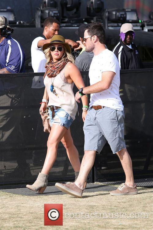 Hilary Duff and Mike Comrie 3